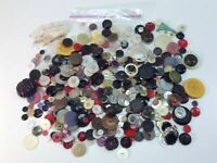 Vintage Buttons Lot Of 1 Lb Of Assorted Buttons Many Shapes And Sizes L4