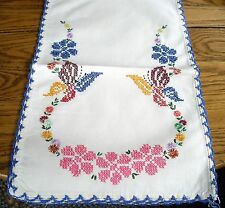 Vintage Table Scarf Runner White w/ Cross-Stitched Flowers & Crochet Edges ~