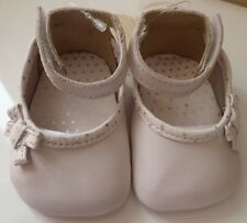 Clarks 0-3 Months Baby Shoes Soft Leather Cream/ White New in Box