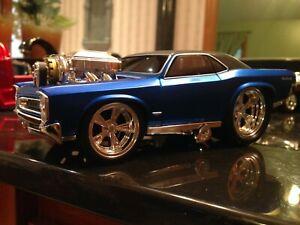 MUSCLE MACHINES 1966 PONTIAC GTO 1:24 SCALE CUSTOM MODIFIED BLUE CHROME WHEELS