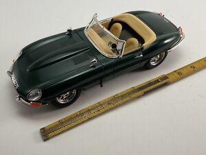 Jaguar E Cabriolet 1961 COD.3026 Burago 1/18 Metal Car Miniature Car