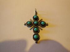 Jolie croix argenté et pierres bleues turquoise Collier Bijou et Accessoires