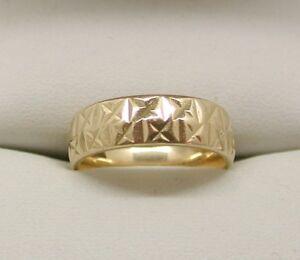 Very Lovely Heavy 9 Carat Gold Patterned Wedding Ring Size K.1/2