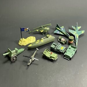 LOT X12 VINTAGE PLASTIC SOLDIER TOYS VEHICLES PLANES CANNON HELICOPTERS