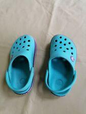 Kids crocs size 8-9