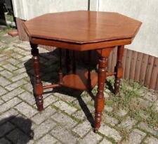 Tisch, Sofatisch, achteckig, massiv Nussbaum, Messingrollen