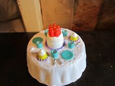 Fisher Price Little People NEW Birthday table Cake candle Party music sounds toy