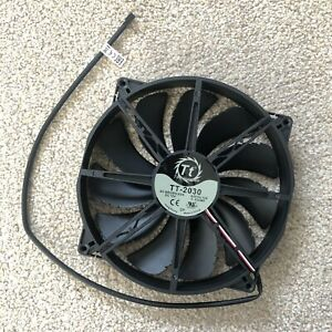 NEW 200mm Thermaltake Case Fan - Black - 3 Pin - From Core V1