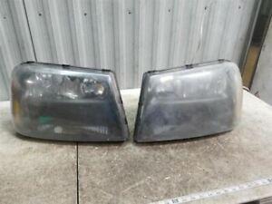 Headlights Set fits 06-09 Chevy Trailblazer Trailblazer EXT 1/2 Width Grille