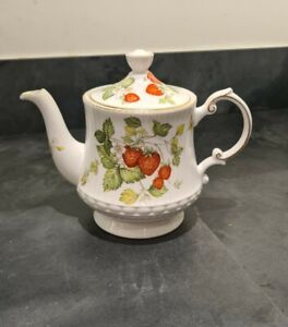 Rare Queens China Virginia Strawberry 3 Cup Coffee Pot Rosina Vintage Beautiful