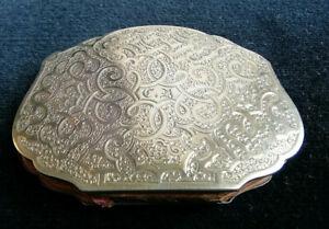 Porte monnaie ancien en métal doré et cuir, monogramme C-B