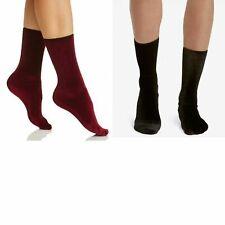 (NWT) 2 Pairs of Hue Women's Velvet Crew Socks, Black & Currant One Size