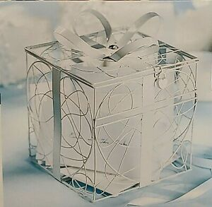 Wilton White Metal Gift Box Card Holder w/Lock. Wedding, Anniversary, Party. NEW
