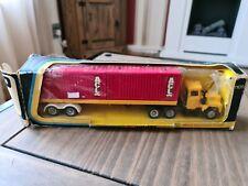 Corgi Major Mack Container Truck And Trailer Die-cast 1106