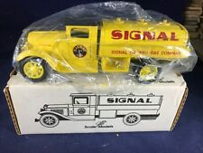 Q-67 ERTL 1:38 SCALE DIE CAST BANK - 1931 INTERNATIONAL SIGNAL OIL & GAS - NIB