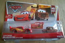 CARS - LIGHTNING MCQUEEN (SAETTA) with SIGN & FRED - Mattel Disney Pixar