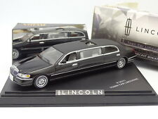 Velocidad 1/43 - Lincoln Town Car Limusina Negra