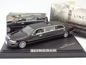 Vitesse 1/43 - Lincoln Town Car Limousine Noire