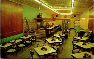 Postcard Interior of Raoul's Restaurant in Gulfport, Mississippi~132285