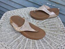 $70 Fitflop Novy Beige Shimmer Suede T Strap Wedge Sandal 507-137 Wmns 6 M