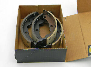SET OF 4 NEW SILVERLINE UBP R522 DRUM BRAKE SHOES RELINED REAR MADE IN USA