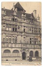 paray-le-monial , hôtel de ville renaissance -