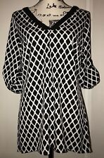 WHITE HOUSE BLACK MARKET Geometric Print Roll Tab Sleeve Tunic High Low Top 10