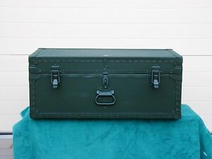 VINTAGE 1949 WORLD WAR 2 US ARMY AIR CORPFOOT LOCKER from GENERAL PRODUCTS