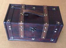 Replica Vintage-Style Wooden Box (HF 001-B)