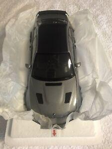 KYOSHO 1/18 BMW E46 M3 GTR SILVER GREY
