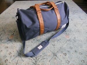 Herschel Supply Company Sutton Mid-Volume Duffle Bag Navy Peacoat Color
