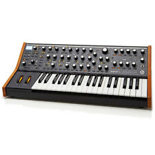 Moog musique sub 37 analogue synth