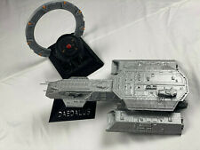 Stargate SG-1 Daedalus ship and stargate with DHD