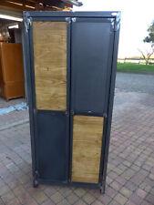 Fabrication sur mesure armoire industriel bois chataignier mètal