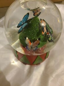 Neiman Marcus Butterflies Oh Christmas Tree Musical Snow Globe 1999 Dept 56