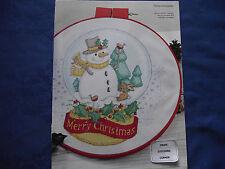 MERRY CHRISTMAS NOSTALGIC SNOWGLOBE WHIMSICAL SNOWMAN SCENE CROSS STITCH CHART