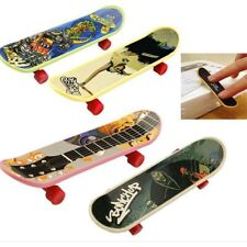 Finger Skateboard Fingerboard Skate Board Kids Table Deck Mini Plastic Toy x 1