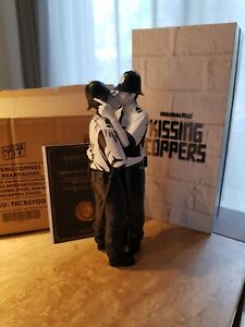 BRANDALISED / MIGHTY JAXX 'KISSING COPPERS' - NEW IN BOX - ORIGINAL COA BANKSY!