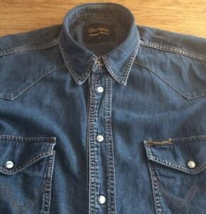 MENS VINTAGE BATWING DENIM SHIRT BY WRANGLER.        18.5  COLLAR.   XL
