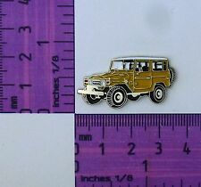 BJ40- FJ40 Mustard Toyota Landcruiser SWB winch Quality Metal Lapel Pin / Badge
