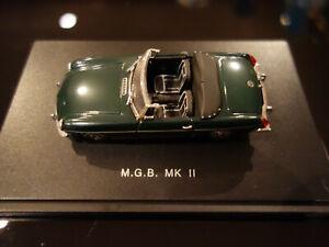 MGB MK II CABRIOLET 1968 1/43 JOUEF EVOLUTION VERT