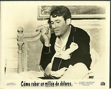 Peter O'Toole close up in How to Steal a Million 1966 original movie photo 10605