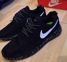 Nike Roshe run black with white speckle Size 9 Oreo UK**NEW** UK Stock