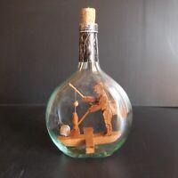 Bouteille personnage pêcheur fait main vintage art déco maison design XXe N5081