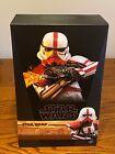 Hot Toys Incinerator Stormtrooper Star Wars The Mandalorian 1/6 Scale Figure