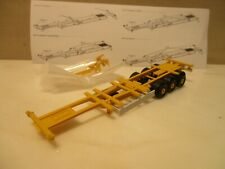 HERPA   ---  High Cube  Container Chassis -- in  gelb/weiss  -----   (SK15)