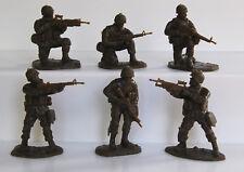18 American Modern AIP plastic soldiers army men # 5581