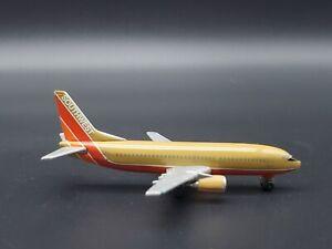 Herpa Wings 1:500 Southwest Airlines Boeing 737-300 Model 500562 Desert CC