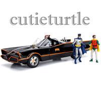 Jada TV Series Batman 1966 Batmobile with Working Lights & Figures 1:18 98625