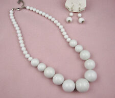 WHITE  GRADUATED BEAD NECKLACE AND EARRINGS  SET